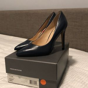 Vince Camuto Kain blue size 5   Never worn